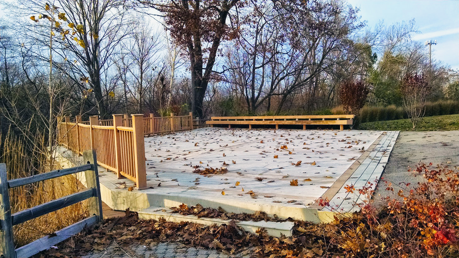 Current Kingfisher Bluff Deck