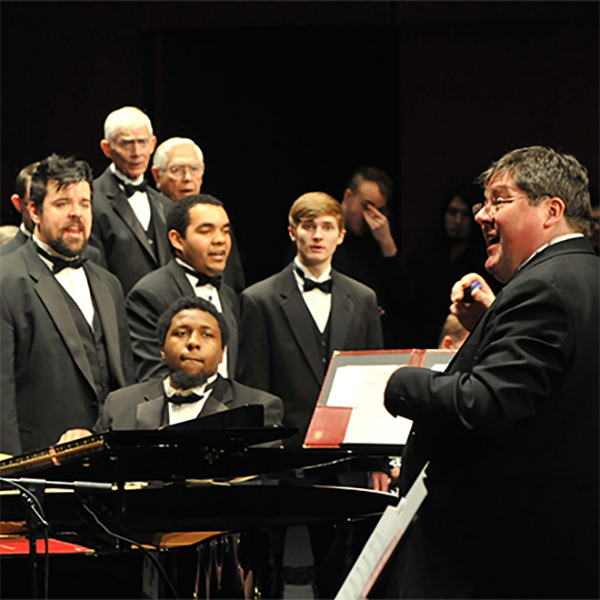 Kevin Dewey and the HFC Chorus