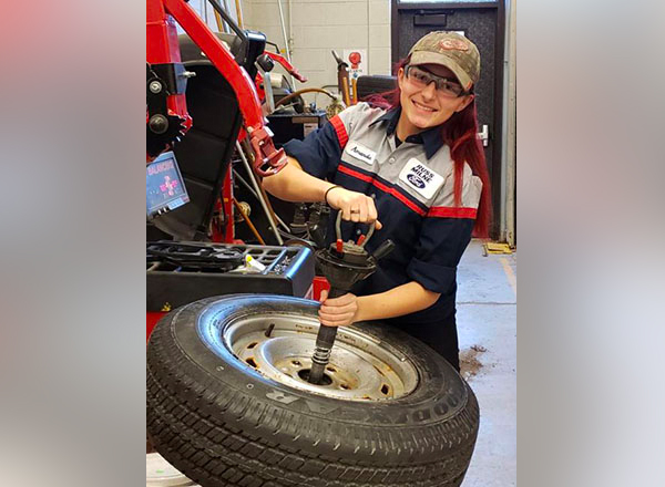 Amanda Hofmann is an intern at Russ Milne Ford in Macomb. This fall, she will enroll in the HFC ASSET program.