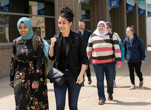 Group of students touring campus