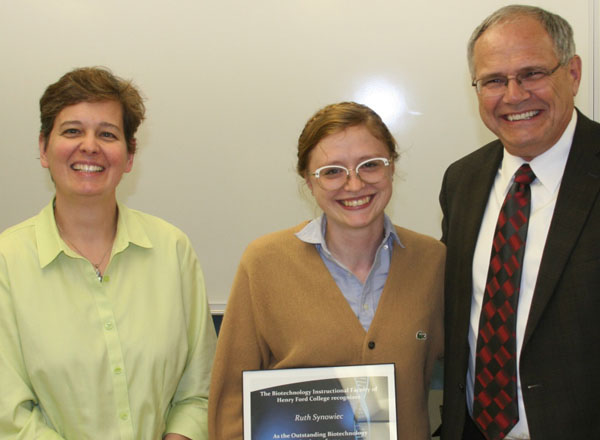 Left to right: Dr. Jolie Stepaniak, Ruth Synowiec, and HFC President Dr. Stan Jensen