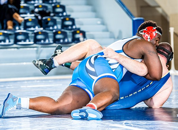 HFC grappler Jeffrey Henderson (top) ranked No. 4 in the NCWA Individual Rankings.
