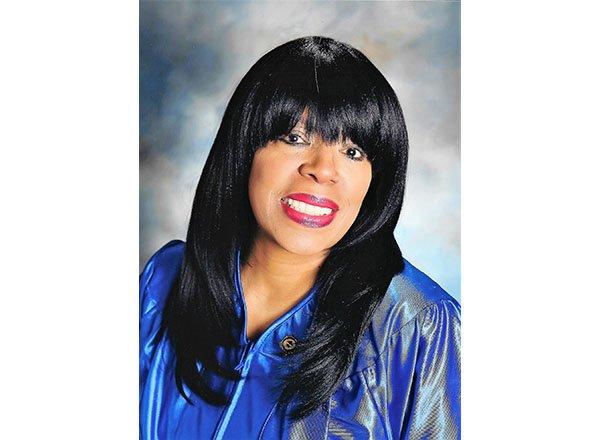 Headshot of Sandra Gibson